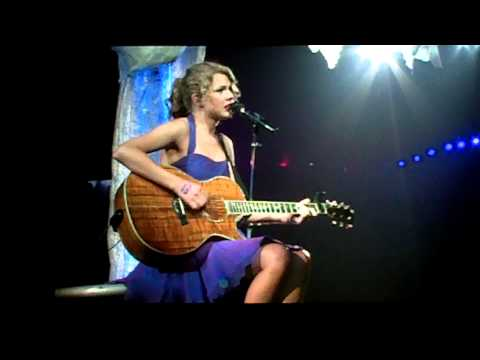 "Taylor Swift Covering Alan Jackson's ""Where Were You"" In Vancouver On Sept 11, 2011"
