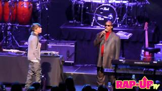 Justin Bieber and Stevie Wonder Perform