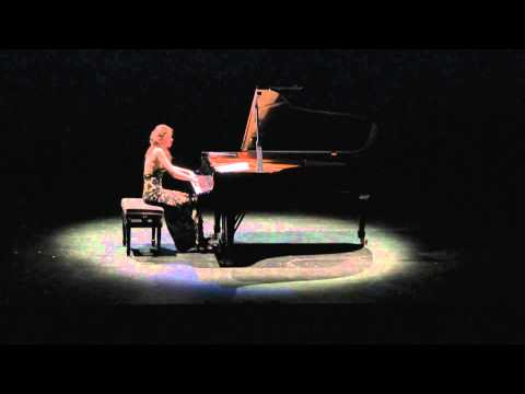 Edna Stern  plays Bach Prelude & Fugue in D minor