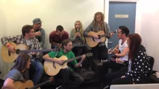 Newton Faulkner & Friends Dressing Room Jam at the London Acoustic Guitar Show