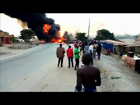 شاهد: 10 قتلى على الأقل في حادث اصطدام شاحنة بثلاث سيارات في غرب أوغندا…  - نشر قبل 4 ساعة