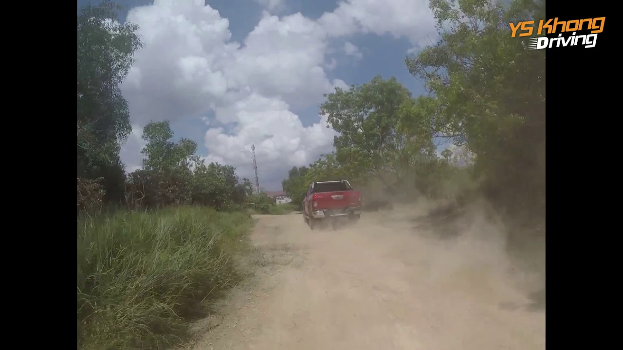 Hi Speed Hilux: How Fast Would the Hilux Go, if the Hilux Could Go Fast? [ YS Khong Driving]