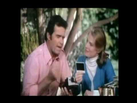 James Garner & Mariette Hartley Polaroid 1979 - YouTube