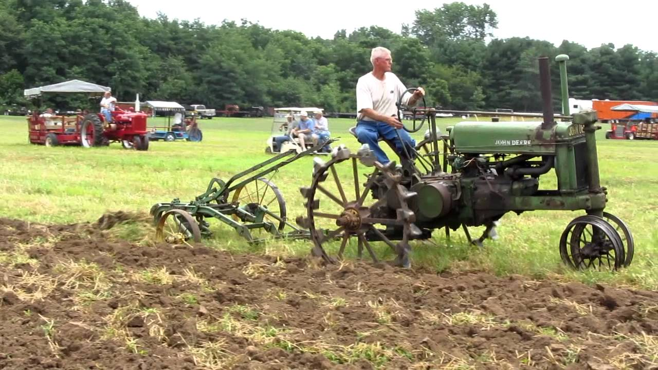 Deere Tractors On Steel Wheels : Tippecanoe steam and power show john deere a on steel