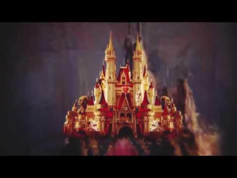 Новогоднее представление Алиса в Зазеркалье во дворце спорта Лужники