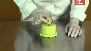 Украшение тортов мастикой.mpg(, 2011-03-30T22:33:18.000Z)