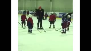 Торможение на коньках. Обучение начинающих хоккеистов