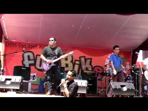 NBC- Kau Tak Perlu Tau (Live at Smansa Mataram)