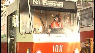 Молодым - дорогу и трамвайные пути. Профессия водителя трамвая становится все более популярной