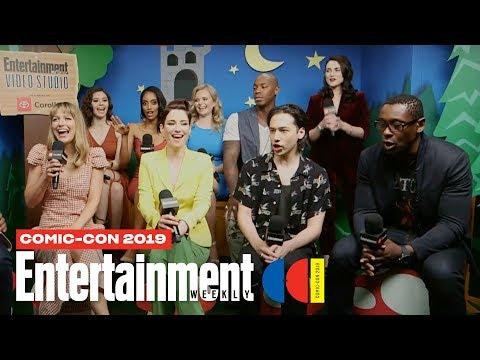 'Supergirl' Stars Melissa Benoist, Chyler Leigh & Cast LIVE   SDCC 2019   Entertainment Weekly