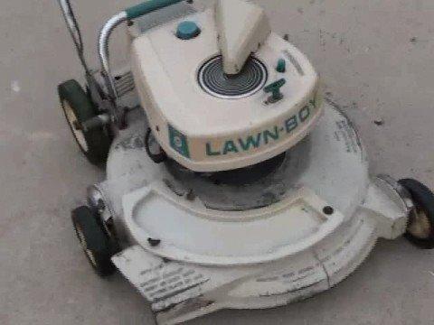 1969 Lawn-boy Lawn Mower 8228e