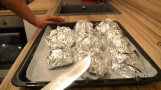 видео Курица в фольге в духовке