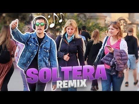 Cantando SOLTERA REMIX Por La Calle!