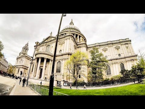 London. A Walk Around St Paul's Cathedral