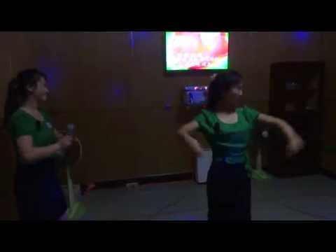 North Korea: Passionate Dancing in Karaoke Club, Chongjin 北朝鮮:清津市のカラオケクラブ1