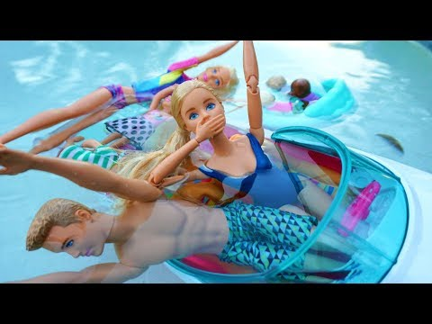 BARBIE SINKS BOAT! Boating And Swimming With Barbie And Friends! Barbie Videos