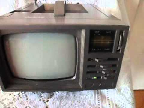 ANTIGUA TV/AM/FM/ BROKSONIC PORTABLE MADE IN KOREA 90s.