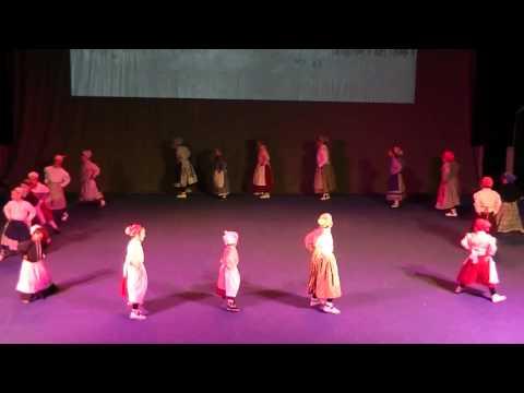 ZAZPI JAUZIA-HERRITIK HIRIRA-(Korosti Dantza Taldearen 2015eko Gabonetako Jaialdia)