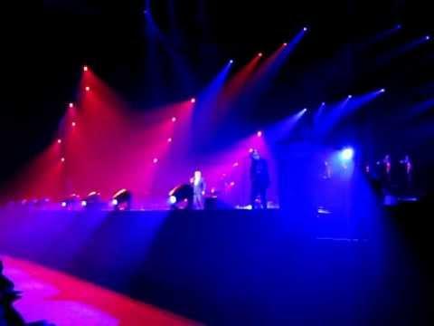 michel sardou rouge concert tours 37000 les grands moments youtube. Black Bedroom Furniture Sets. Home Design Ideas
