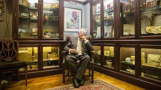 World's Oldest Cigar Seller: STORE CRAZY