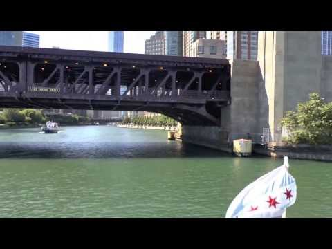 Cruise the Chicago River, Illinois/USA, on 9.3-6.2013.
