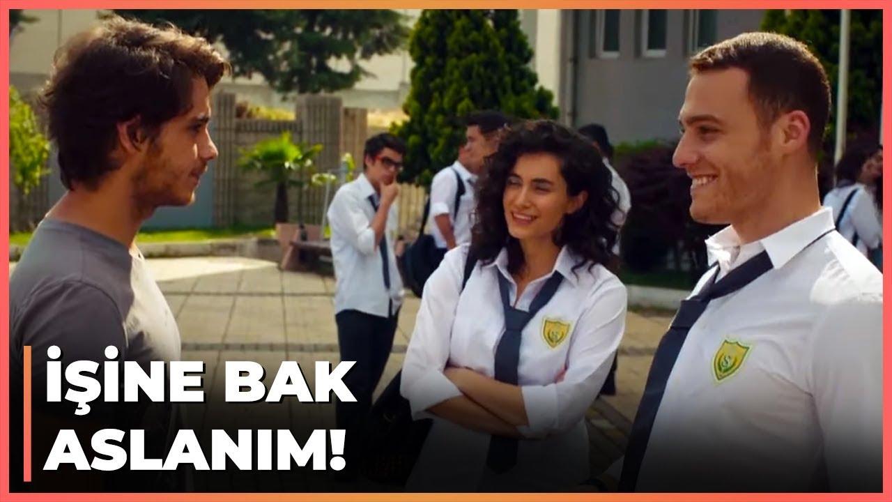 Kerem, Zeynep'i Bora'dan Kıskandı - Güneşi Beklerken 49. Bölüm