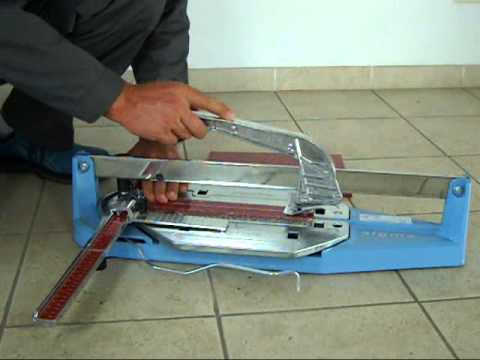 Taglio di piastrelle in vetro 8 mm 90 con for Distanziatori piastrelle 1 mm