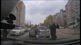 Дтп Воронеж. Драка  кулаками  и не только 2016-5-30_17-30