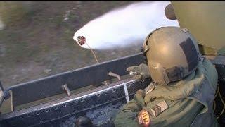 Helikopters Defensie trainen brandbestrijding