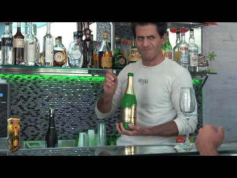 Vanishing Bottle Champagne video