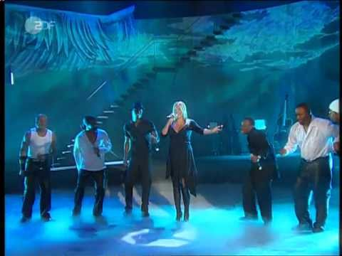 Sarah Connor & Naturally Seven - Music is the key - Wetten Dass - 2003