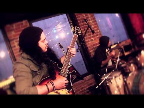 "Xolie Morra & The Strange Kind perform ""Over My Head"""