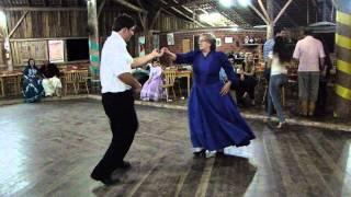 Danças Gaúchas - Chamamé Figurado - Laci e Dionatan