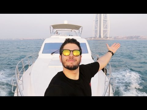 YACHT CRUISE AROUND DUBAI!