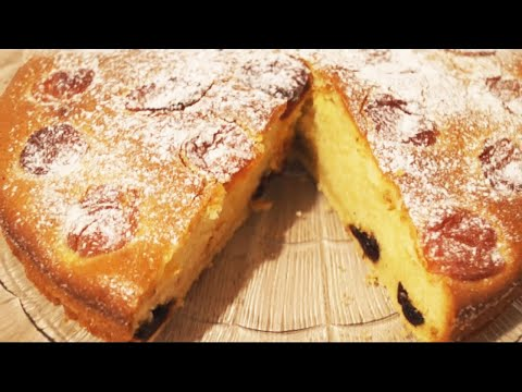 Пирог на кефире с черносливом и курагой