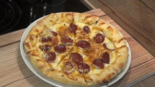 Kenar dolgulu sucuklu pizza tarifi