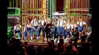 Kelly Clarkson Medley Hits at Billboard Music Awards 2019.mp3