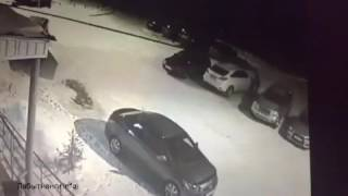 В одном из дворов Лабытнанги подожгли авто