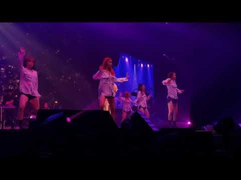 181201 Circus - Taeyeon 's ... concert in Bangkok