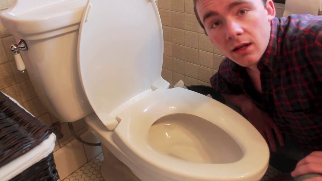 fastest easiest way to unclog a toilet