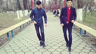 Танец Акжола и Тохи