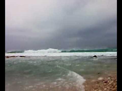 High tide Divides the Minicoy Island .mp4
