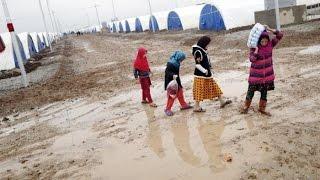 أخبار عربية | سكان مخيم الخازر في الموصل يعانون جرّاء الأمطار الغزيرة