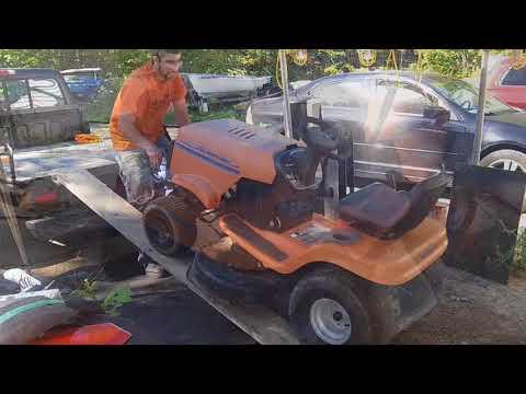 Tractor Hunting Husqvarna YTH 150