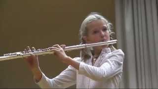 Лазарева Надя - флейта: романс Ностальгия (Должиков), вальс Метель (Свиридов)