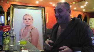 Pling Liana cu tabloul tau linga mine