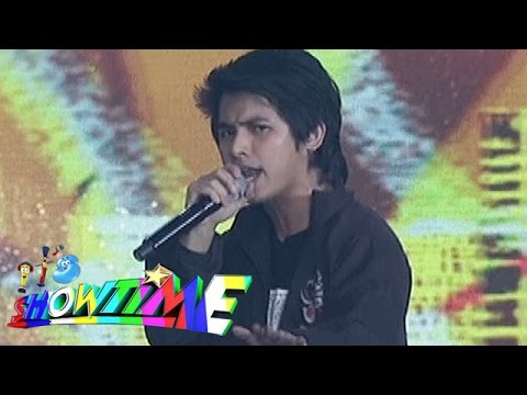It's Showtime: Abra sings 'Gayuma'