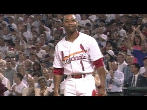 Ozzie gets standing ovation during final AB