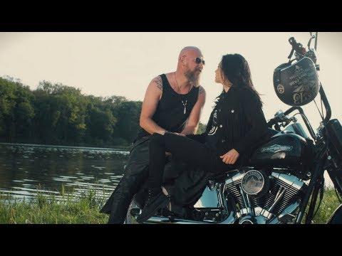 Trupa Zero feat Evelyn - Pentru Totdeauna (Official Video)