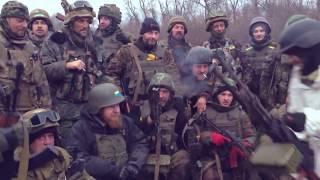 Редкие кадры: как бойцы ВСУ воевали и выходили из-под Дебальцево (Видео)